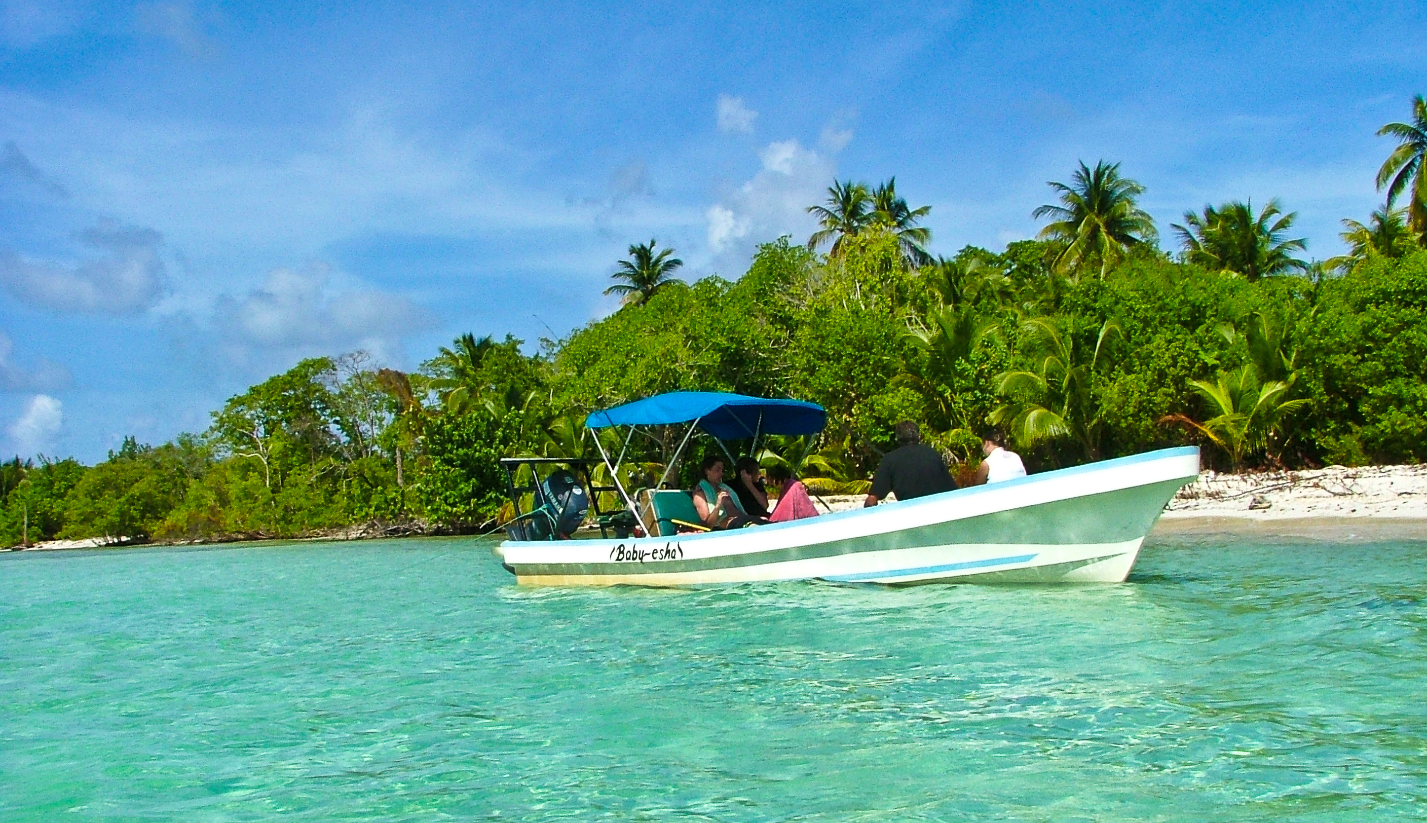 snorkelling and diving Snake Cayes Sapodilla Cayes